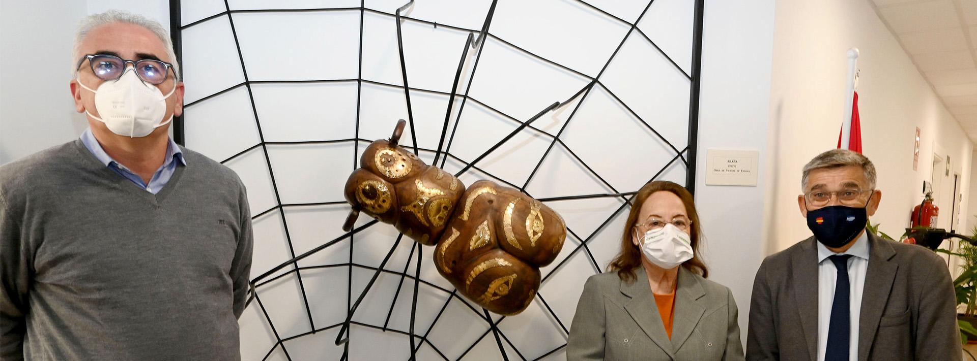Instalada la escultura 'Araña' de Vicente Espona en el Centro Cultural Rosa Verde