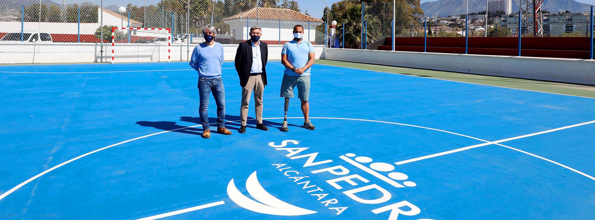 Remodelada la pista de fútbol sala del polideportivo Juan José Almagro